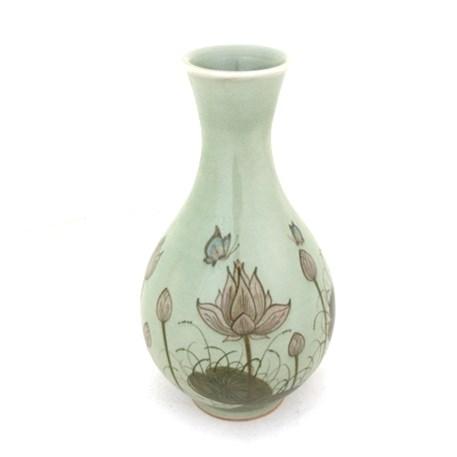 Vaas Jade Lotus