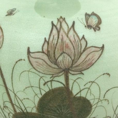 Detail Vaas Manchu Lotus