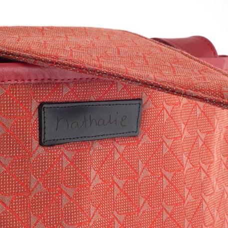 Detail label handtas Design Nathalie Rode Hartjes
