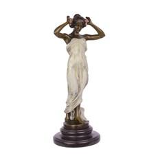 Nimf van de vallei sculptuur