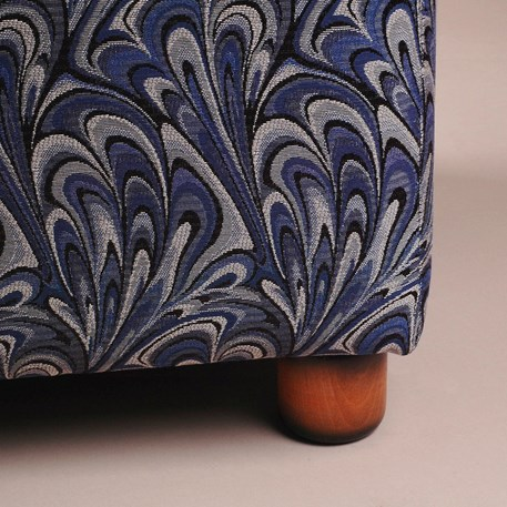 Detail Art Deco Hocker met Charmaine stof