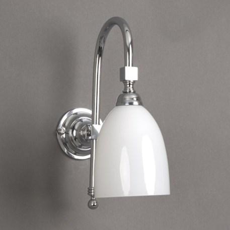 Badkamerlamp Beker Grote Boog in glanzend chroom met opaal witte glaskap