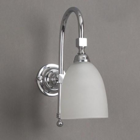 Badkamerlamp Beker Grote Boog in glanzend chroom met Geetste glaskap