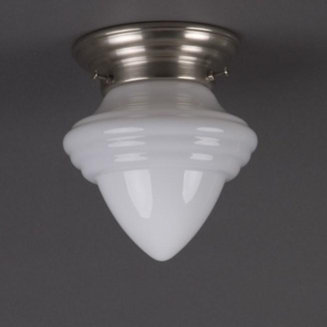 Plafonniere acorn klein in opaal wit glas met afgerond matnikkel armatuur
