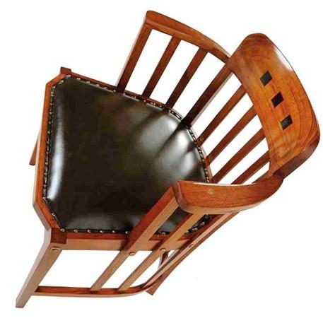 Office Chair met gehalveerde armleuningen en zwart leer