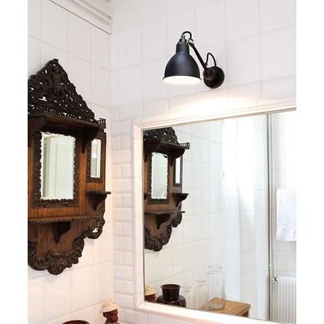 Draaibare wandlamp voor in de badkamer, zeer praktisch!