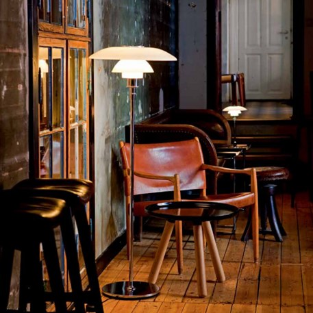 Sfeerimpressie Louis Poulsen PH 4½-3½ Staande Lamp